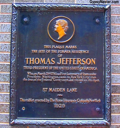 Plaque where Thomas Jefferson lived as Secretary of State on Manhattan in NYC, New York