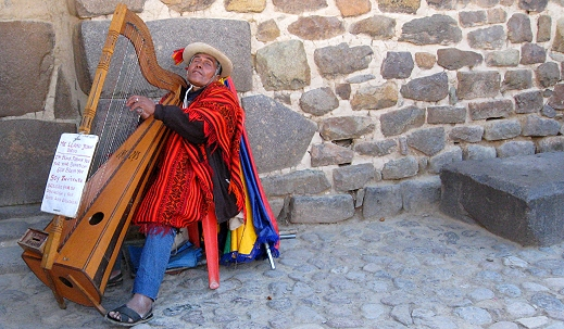 A street performer in the Sacred Valley of the Incas
