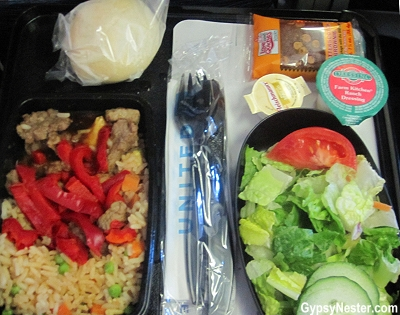 Food on United Flight #895, from Chicago to Hong Kong